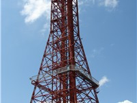 Oil derrick tower at Six Flags Over Texas