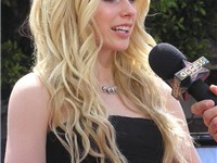 Lavigne at the Los Angeles premiere of Over The Hedge, April 30, 2006.