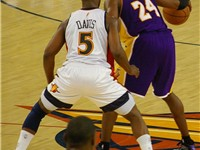Davis defending Kobe Bryant
