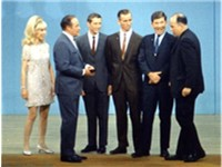 Barbara Eden and Bob Hope honor the Apollo 7 astronauts