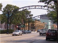 Street arches returned to the Short North in late 2002