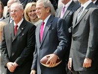 Manning and Coach Tom Coughlin with President Bush on April 30, 2008.