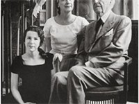 Wright with his wife Olgivanna and their youngest daughter Iovanna in 1957