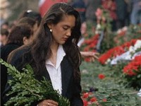 Georgian woman at the memorial of April 9 tragedy