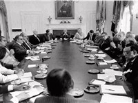 President Ford meets with his Cabinet in 1975.