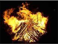 Bonfires are lit every 5th of November to commemorate the plot.