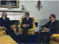 On October 31, 1973, Egyptian foreign minister Ismail Fahmi meets with Richard Nixon and Henry Kissi