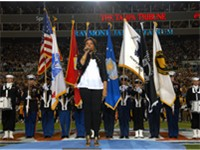 Jennifer Hudson sings National Anthem at Super Bowl XLIII