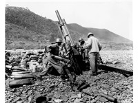 US firepower:US Army artillerymen manning a 105 mm howitzer, Uirson, Korea, August 1950.