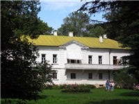 Tolstoy's house at Yasnaya Polyana, today a museum which includes his library of 22,000 volumes