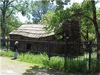 Cabin in which Twain wrote Jumping Frog of Calaveras, located on Jackass Hill in Tuolumne County. Hi