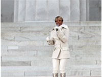 "Blige performing ""Lean On Me"" at the ""We Are One: The Obama Inaugural Celebration at the Lincoln Mem"