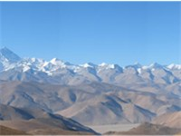 Northern panoramic view of Everest from Tibetan Plateau