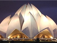 The Bah 'í House of Worship in New Delhi, India attracts an average of 4 million visitors a year. It