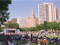 The historic New Haven Green.