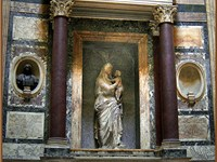 Raphael and Maria Bibbiena's tomb in the Pantheon. The Madonna is by Lorenzetto.
