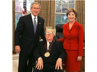 2004 National Medal of Arts award recipient Ray Bradbury with President George W. Bush and his wife