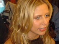 Gellar in December 2004 (Dubai)