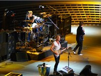 Sting with The Police at Madison Square Garden, New York, 1 August 2007 (photo Lionel Urman)