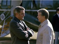 Walter Mondale and Jimmy Carter, in front of Presidential helicopter Marine One in January 1979