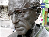 Close up of Allen's statue in Oviedo (Asturias, Spain).