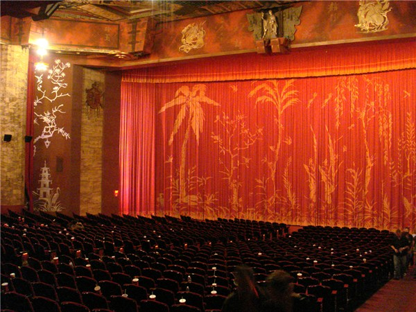 Best movie theater experiences you've had? Wg-graumans-chinese-theatre-2