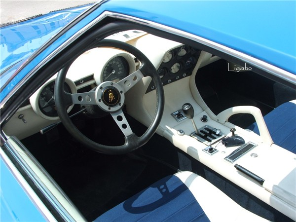 The dashboard of a 1968 Lamborghini Miura P400S