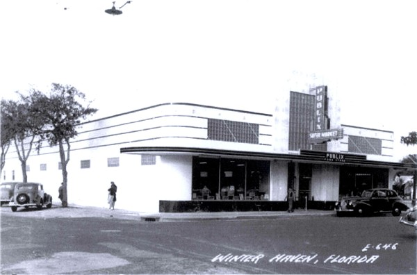 One of the first Publix Super Markets in Winter Haven, Florida, circa
