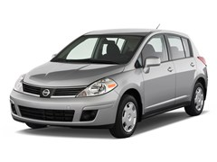 2009 Nissan Versa Hatchback Photo