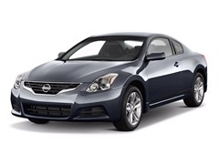 2010 Nissan Altima Coupe Photo
